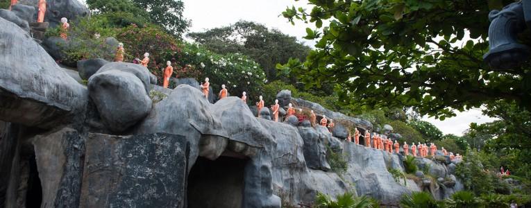 Au bas des grottes de Dambulla