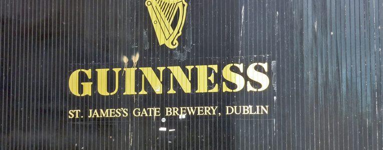 Sortie du musée Guinness à Dublin