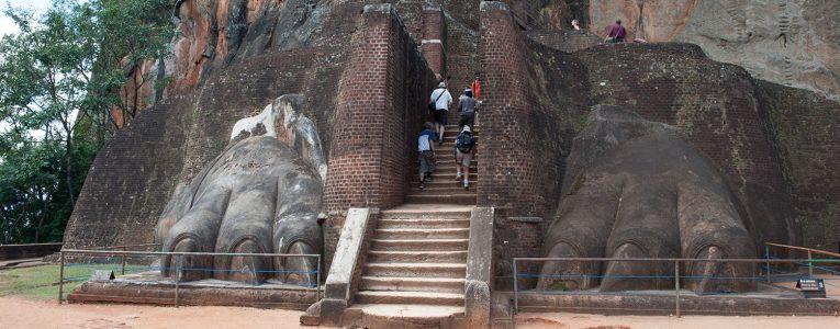 Plateforme avant le sommet de Sigiriya