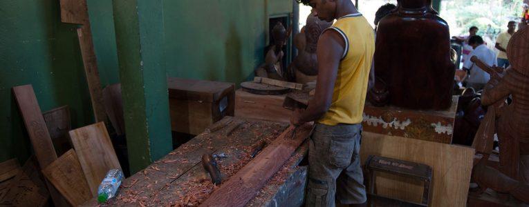 Atelier de bois sur la route de Kandy