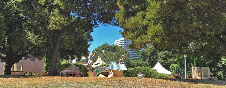 Devant Fairyland au Lakeside Park d'Oakland
